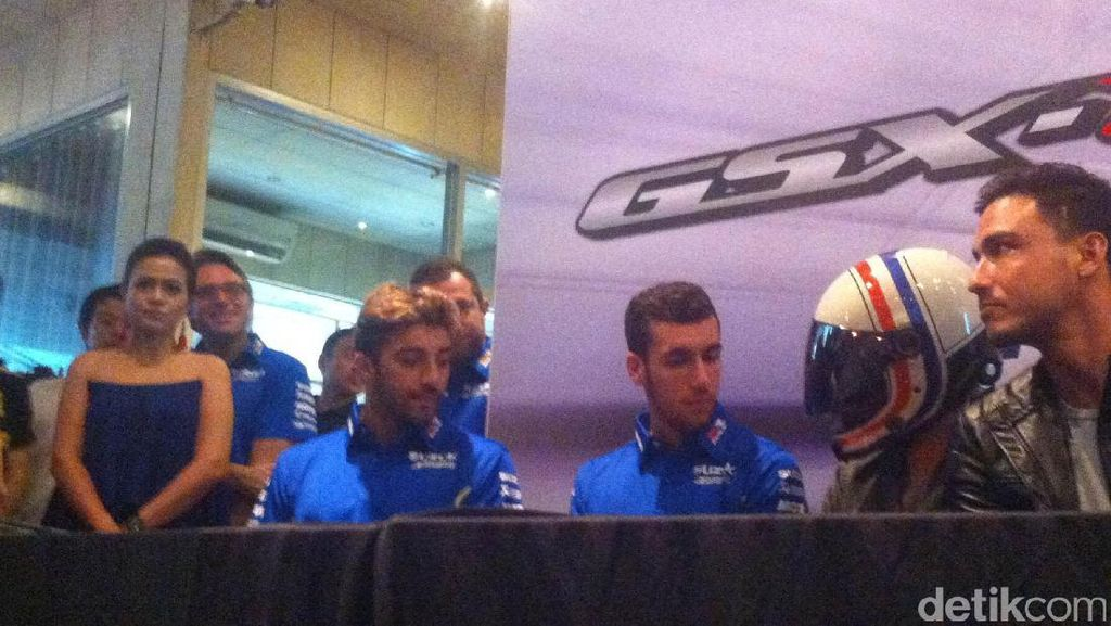 Giliran Andrea Iannone dan Alex Rins Sambangi Jakarta