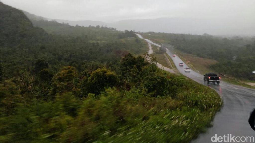 Trans Papua Dipercepat, Luhut: Untuk Seimbangkan Perekonomian