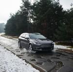 Ford Siapkan Sistem Pendeteksi Lubang di Jalanan