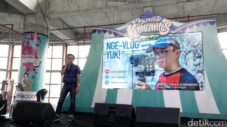 Foto: Vlogger Goenrock berbagi ilmu di Ngumbar detikcom (Kurnia/detikTravel)