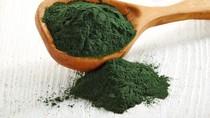 Setelah Matcha, Kini Spirulina Populer Sebagai Taburan Smoothies hingga Sushi
