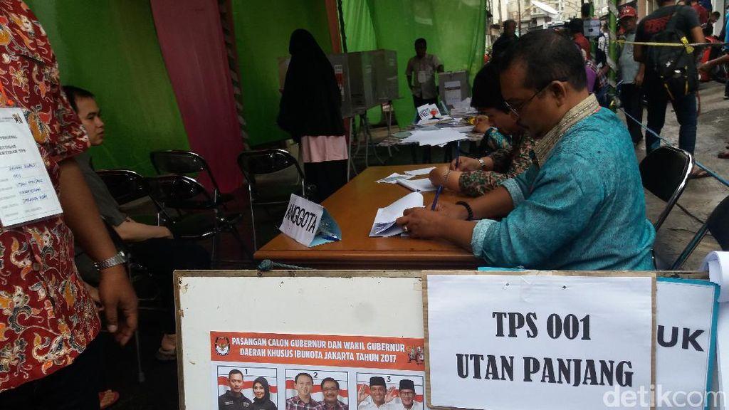 Pemilih di TPS 001 Utan Panjang Berkurang Saat Pencoblosan Ulang
