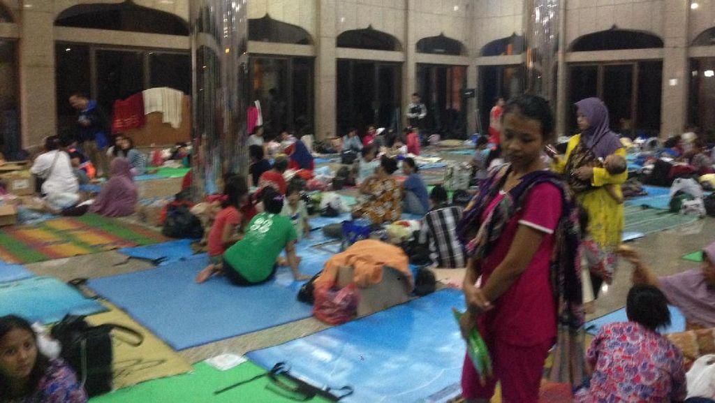 Banjir di Cipinang Melayu Surut, Sebagian Warga Kembali ke Rumah