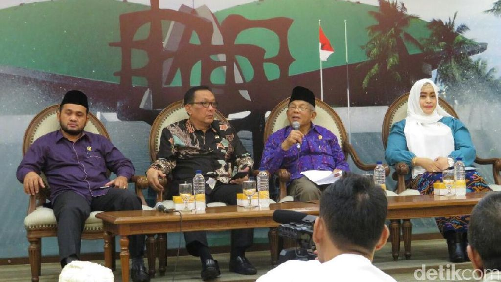 Anggota DPD RI Desak Pemerintah Berhentikan Sementara Ahok