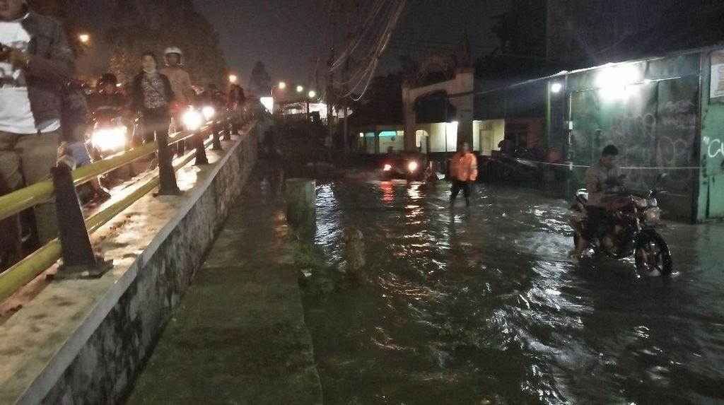 500 Rumah Terendam, Tinggi Banjir di Ciledug Indah Berpotensi Naik