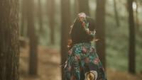 Simbol Mata dan Yin Yang di Karya Psychedelic Rossyta Wahyutiar