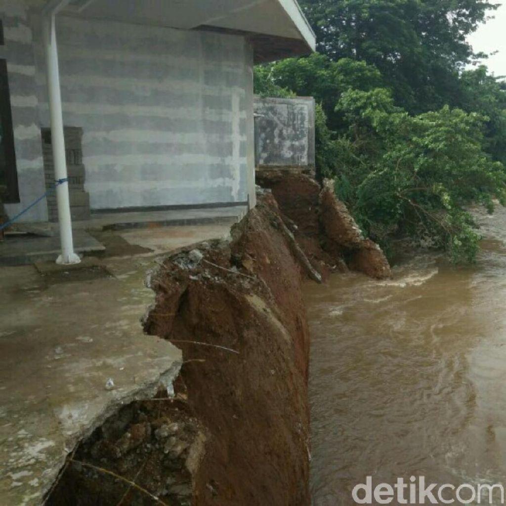 1 Rumah Terkena Longsor di Bukit Duri, Tak Ada Korban Jiwa