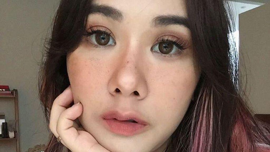 Wanita Tergila-gila Ingin Punya Bintik di Wajah, Hingga Pakai Tato