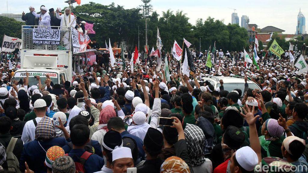 Rute Aksi 313, Salat Jumat di Istiqlal Kemudian Long March ke Istana