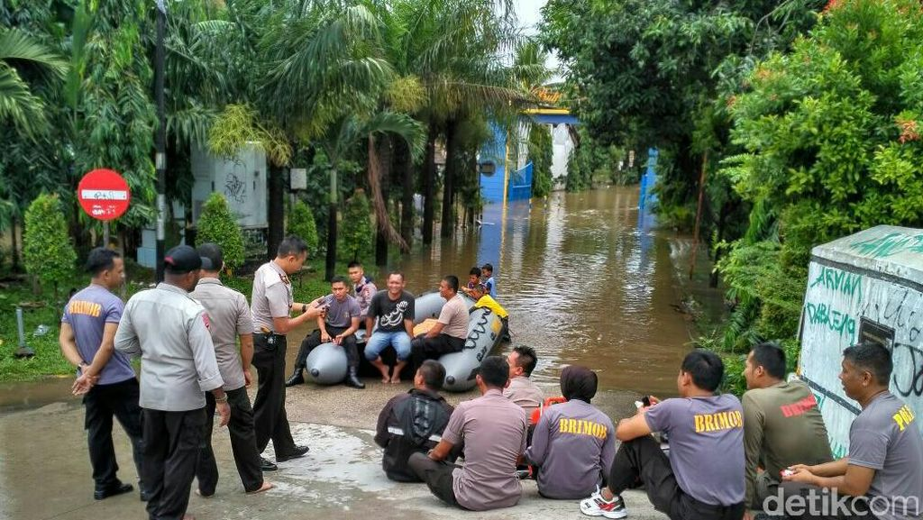 Banjir di Depok, SD Negeri Tugu 10 Diliburkan