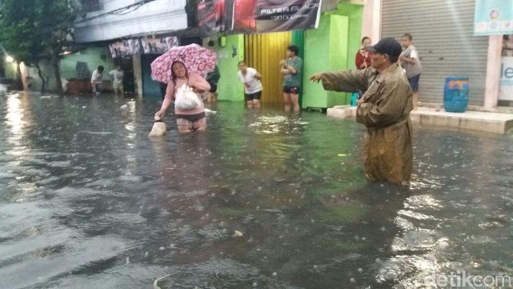 Ketinggian Air 20 Cm-120 Cm, Ini Titik Banjir di Kalideres