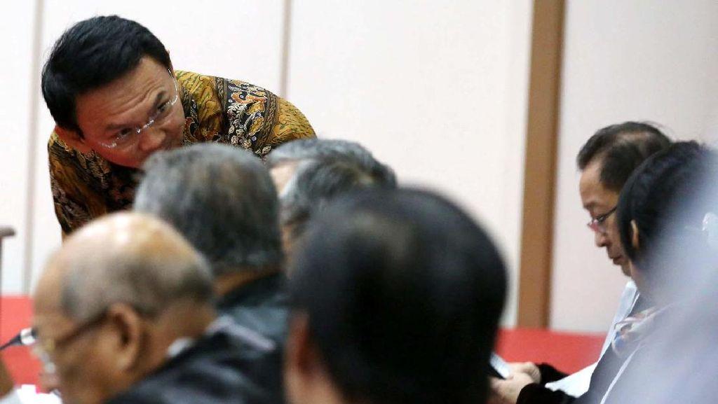 Pengacara Keberatan Soal Habib Rizieq, Hakim Tetap Lanjutkan Sidang