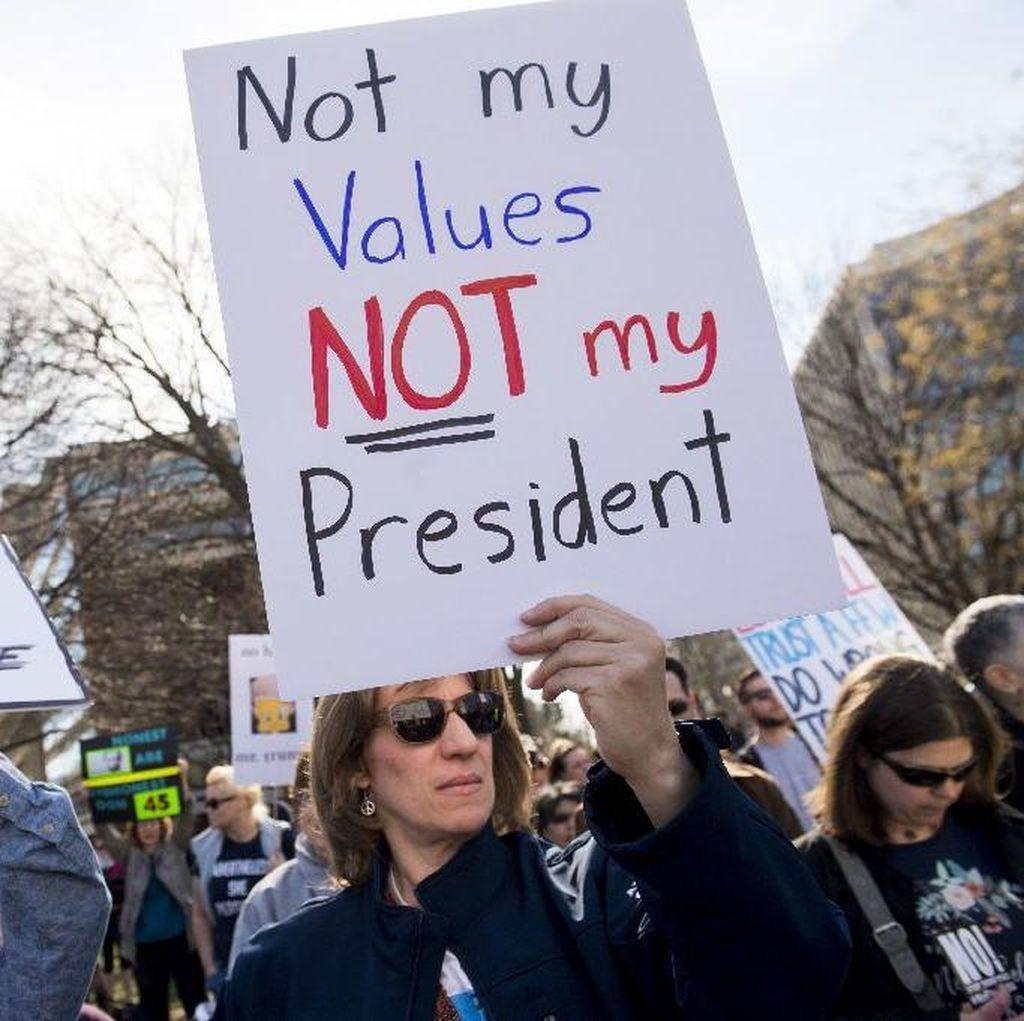 Teriak Trump Bukan Presiden Saya, Ribuan Orang Demo di New York
