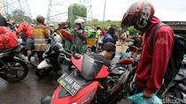Nekat Terobos Banjir, Sejumlah Motor Mogok