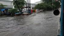 Kejebak Banjir di Jakpus, Andi Pulang ke Bogor Tak Jadi Ngantor