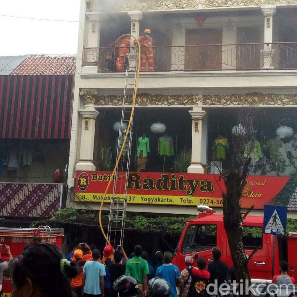 Toko Batik di Malioboro Terbakar