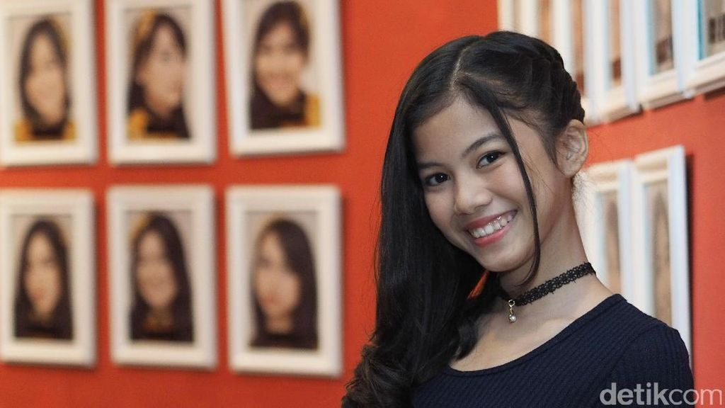 Jadi Member JKT48, Regina: Keluarga Besar Aku Rata-rata Guru