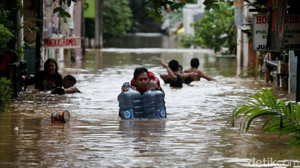 Naik-Turun Banjir 2 Hari di Cipinang Melayu Jaktim
