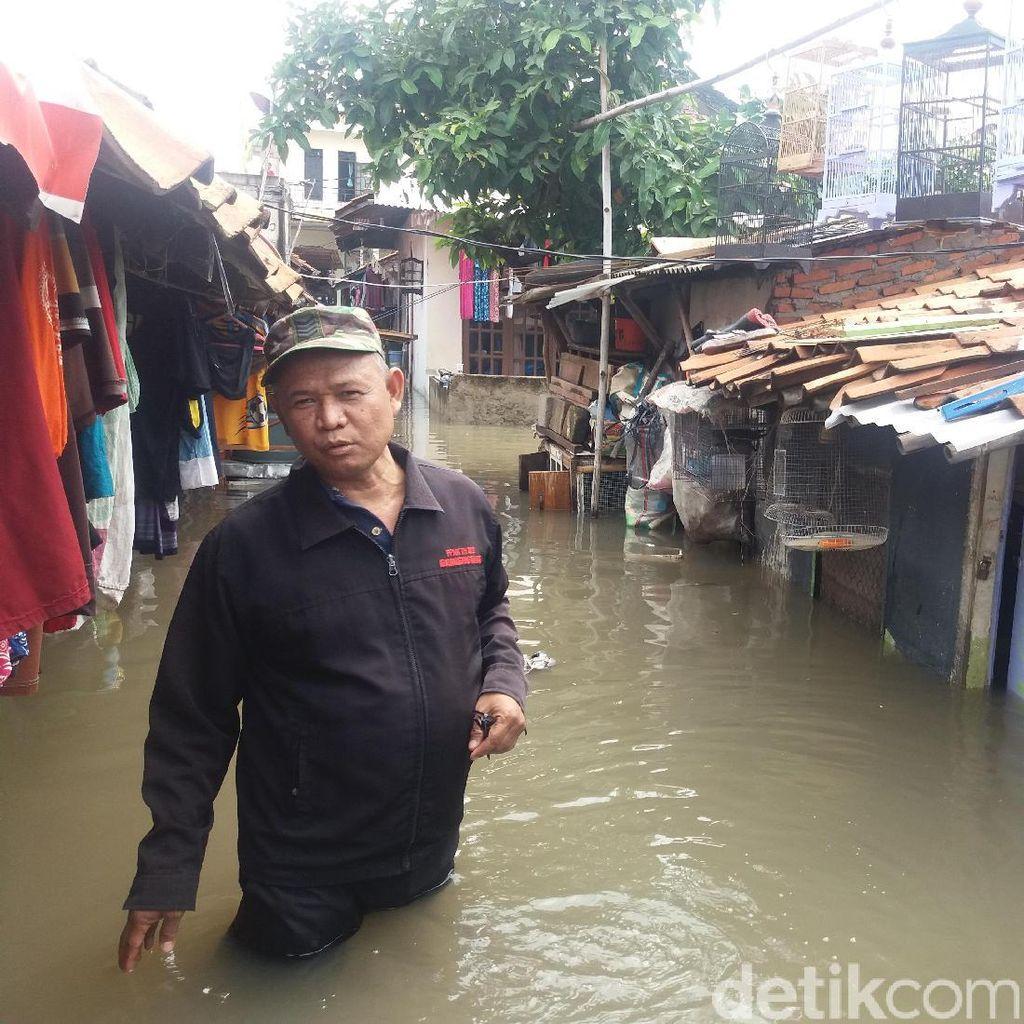 Kali Mookervart Meluap Bikin Banjir, Warga Mengungsi