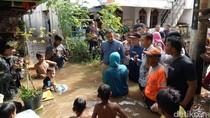 Nyemplung Banjir di Rawa Jati, Anies: Saatnya Tunjukkan Solidaritas