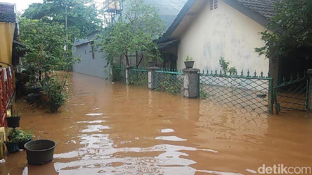 Perumahan Bumi Nasio Indah Bekasi Masih Terendam Banjir 70 Cm