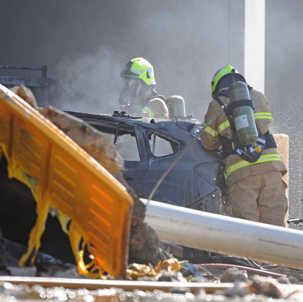 Pesawat Ringan Jatuh di Melbourne Diduga karena Gagal Mesin