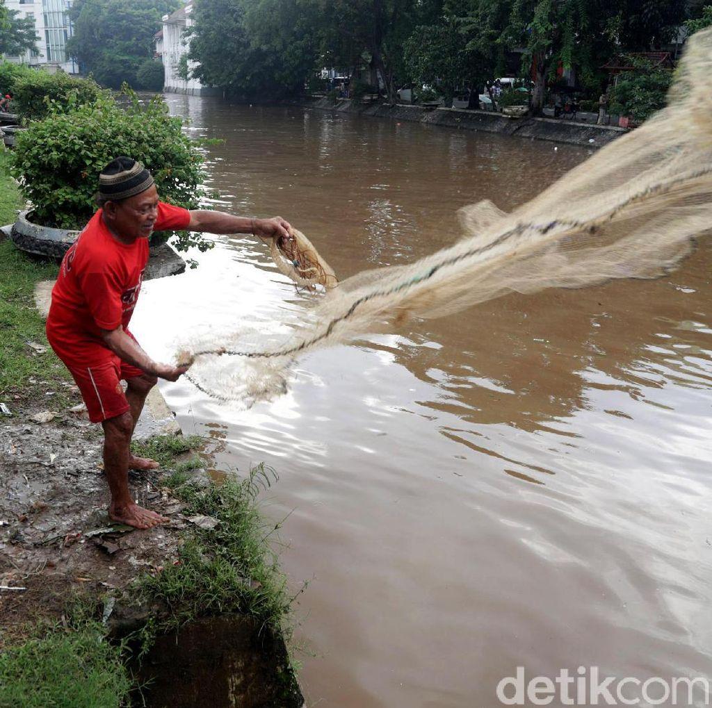 Manfaatkan Debit Air Untuk Mencari Ikan