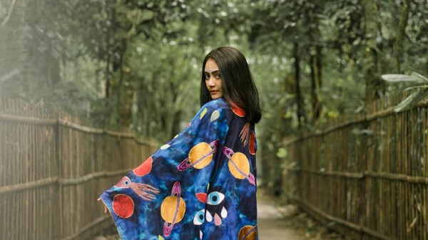 Rossyta Wahyutiar, Si Seniman Muda Psychedelic