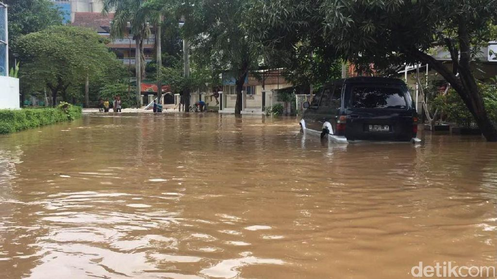 Minim RTH Resapan, 80% Hujan Jabodetabek Jadi Aliran Permukaan