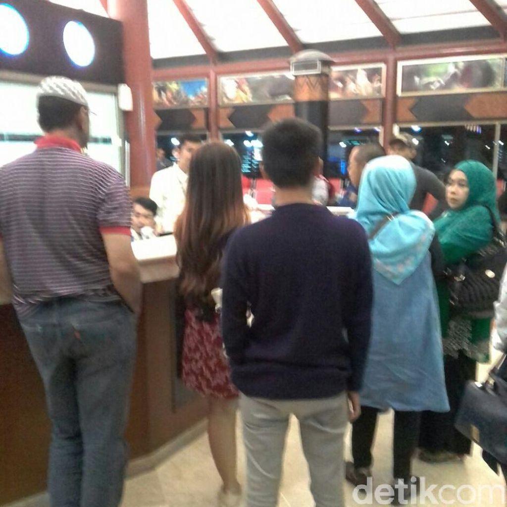 Sriwijaya Air Rute Jakarta-Surabaya Delay 3 Jam, Penumpang Protes