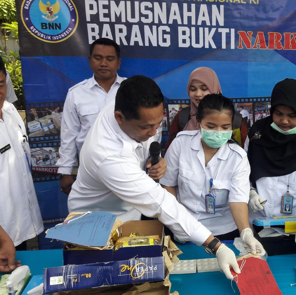 BNN Libatkan IPB Musnahkan Narkoba Blue Safir