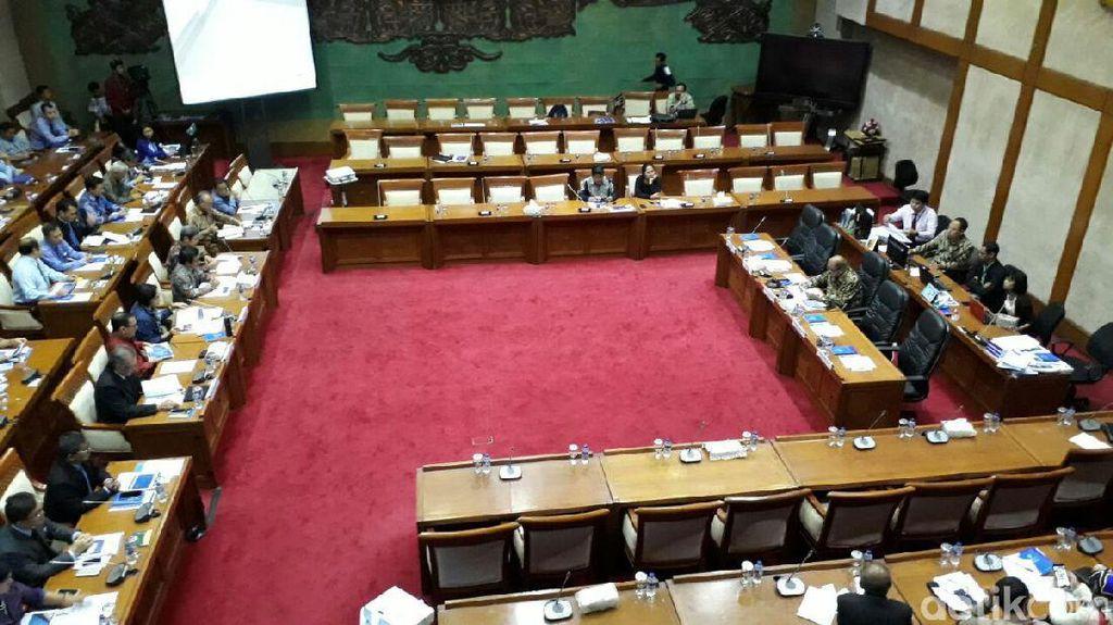 Sri Mulyani Hingga Gubernur BI ke DPR Bahas UU Krisis Keuangan
