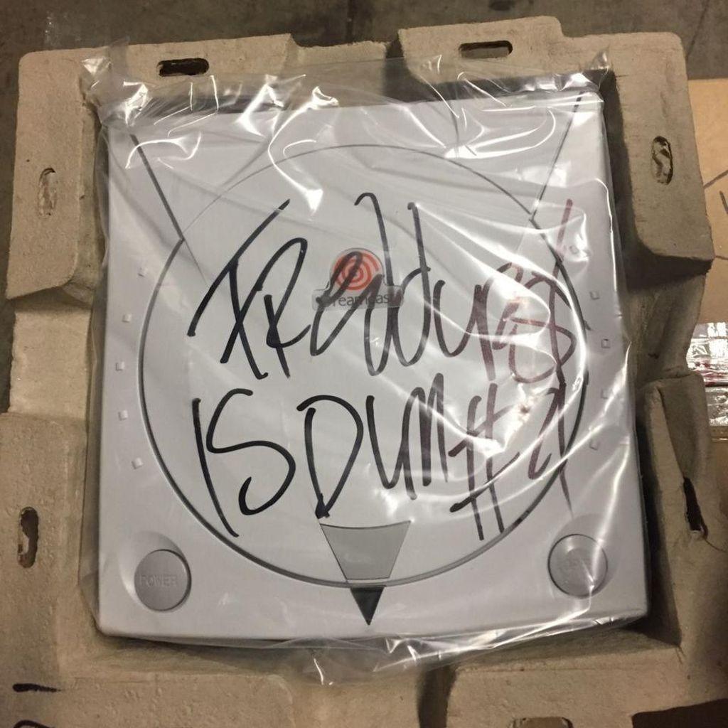 Sega Dreamcast Bertandatangan Fred Durst Dibanderol Rp 13 Jutaan