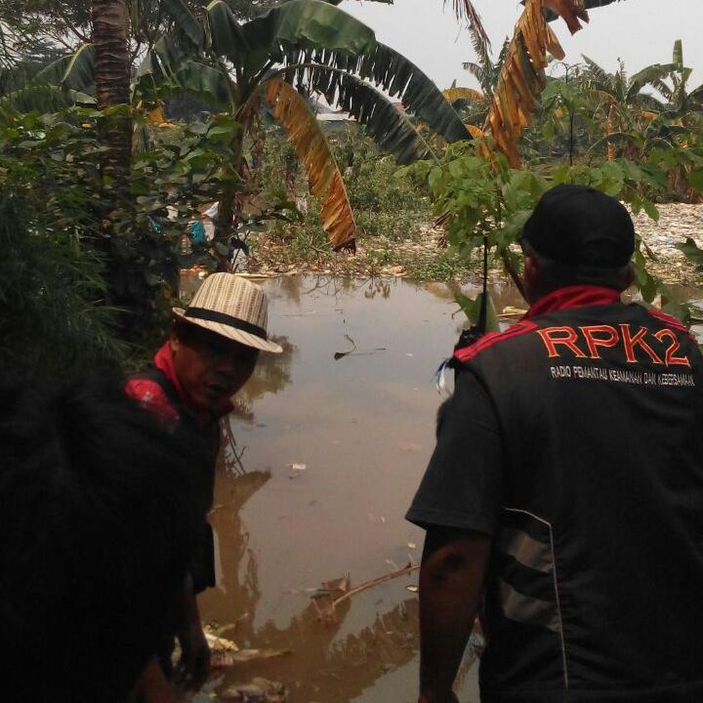 Seorang Pria Ditemukan Tewas Mengapung di Empang di Bekasi