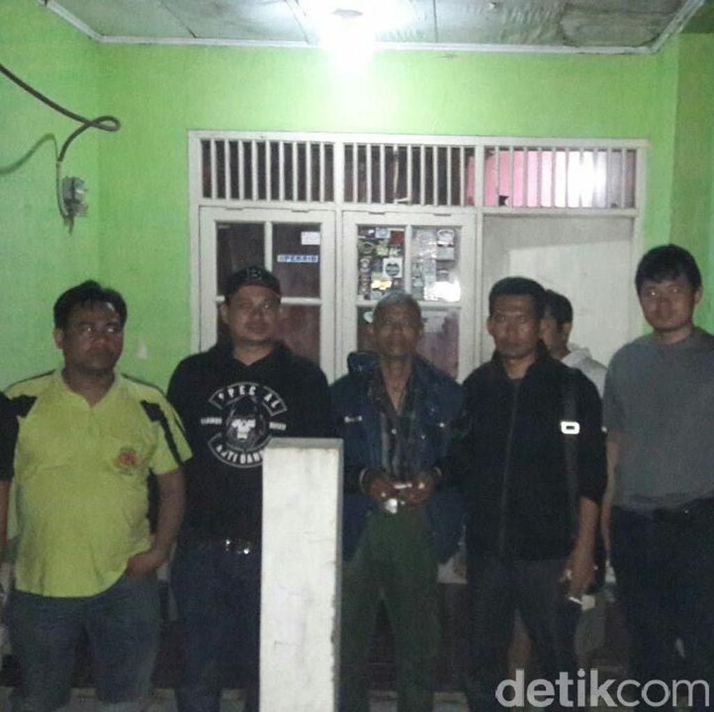 Pelaku Pembagian Mi Instan Berstiker Cagub Banten Eks PPK dan PPS