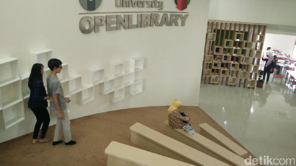 Begini Suasana Perpustakaan Keren di Telkom University Bandung