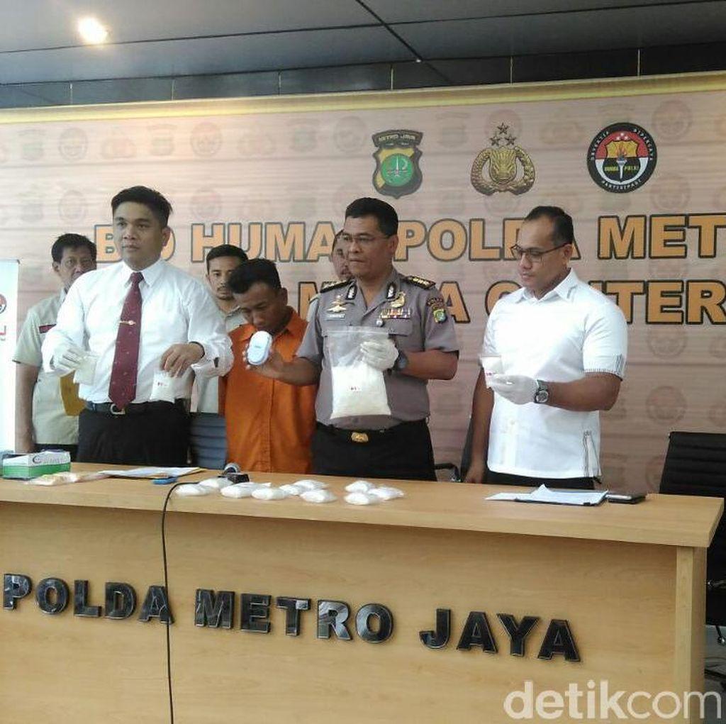 Tangkap Pengedar di Stasiun Senen, Polisi Sita 2,3 Kg Sabu