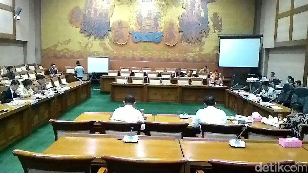 DPR dan Pemerintah akan Bahas Dasar Hukum Holding BUMN Migas