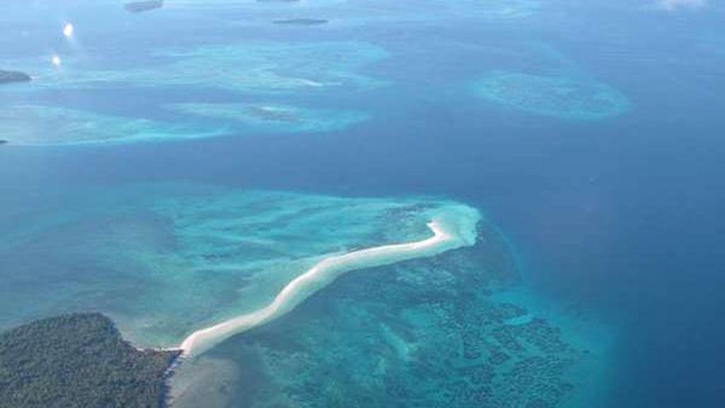 Ini Indonesia, Pasir Pantai Memanjang 2 Kilometer ke Tengah Laut