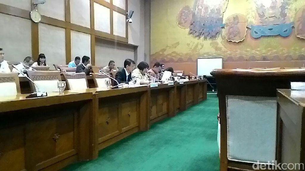 Deputi Kementerian BUMN Dicecar DPR Soal Pencopotan Dirut Pertamina