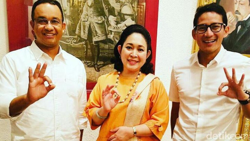 Titiek Soeharto dan Teka-teki Salam Tiga Jari Khas Anies-Sandi