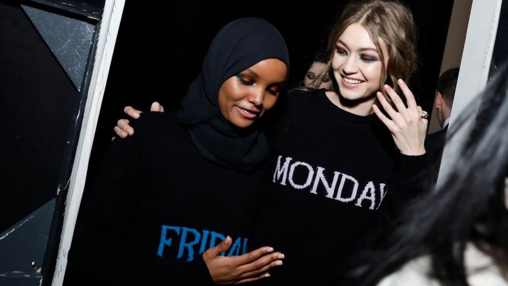 Foto: Momen Keakraban Hijabers AS & Gigi Hadid di Milan Fashion Week