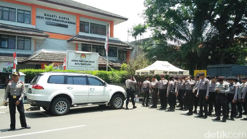Rapat Pleno Pilgub Banten di KPU Kota Tangerang Dijaga Ketat