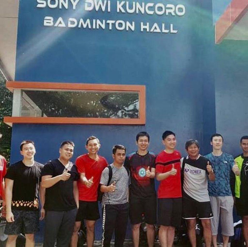 Sony Dwi Kuncoro Menaruh Kebanggaan dan Masa Depan di GOR Enam Lapangan