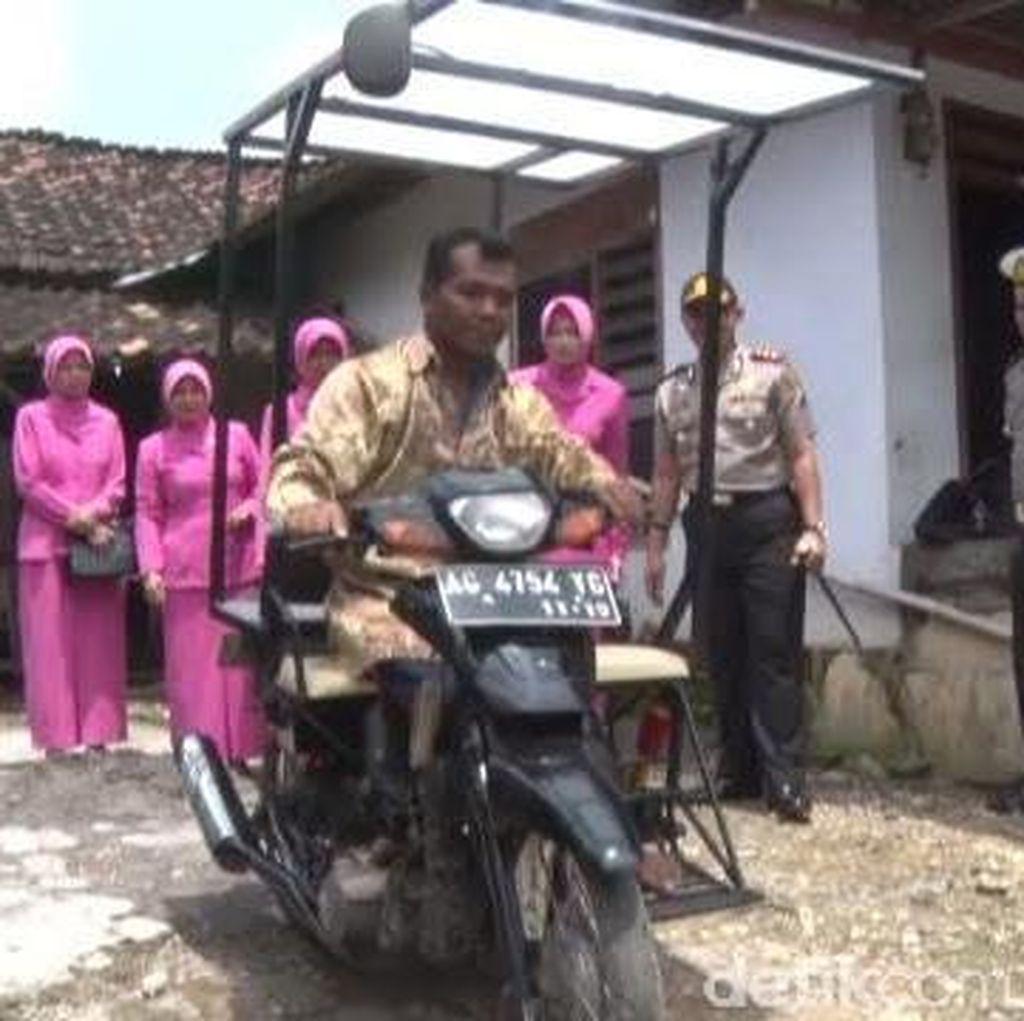 Polisi di Trenggalek Bantu Wujudkan Difabel Dapat Motor Roda Tiga
