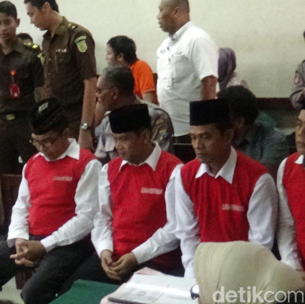 3 Terdakwa Pembunuhan Santri Dimas Kanjeng Dituntut Seumur Hidup