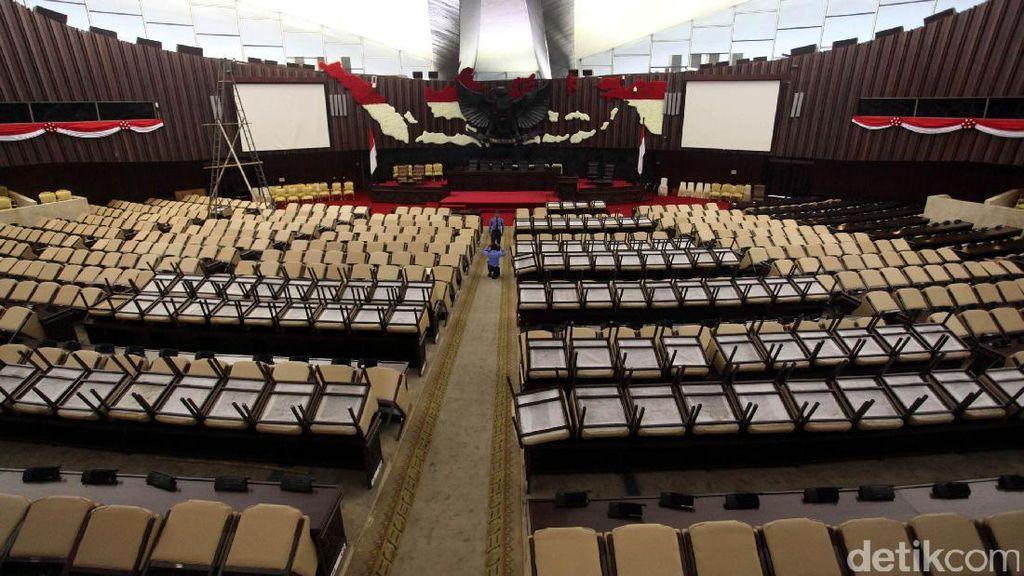 Saat DPR Bersolek untuk Sambut Raja Salman