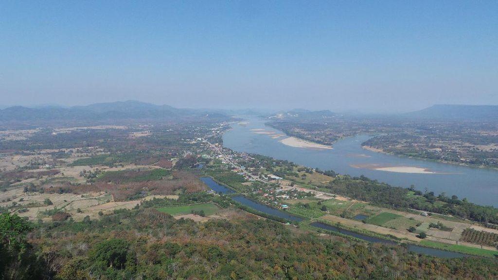 Pesona Indochina di Tepi Sungai Mekong
