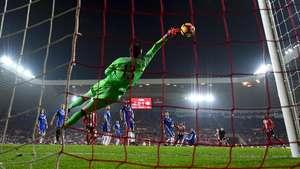 Courtois Diminati Madrid, Fabregas Tidak Heran