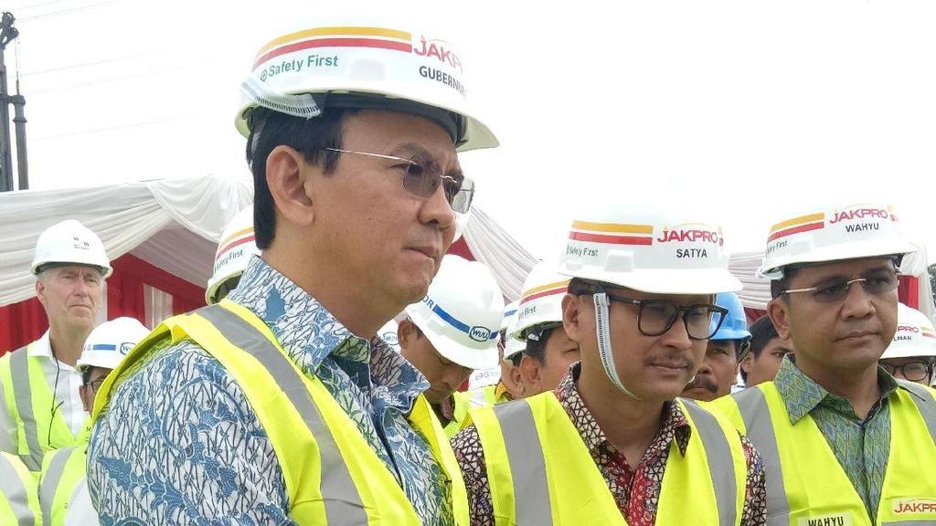 Ahok Tinjau Proyek LRT di Kelapa Gading Jakut